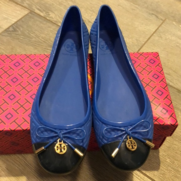 8e6a03a8ff0a3f NWT Tory Burch quilted rubber jelly flats